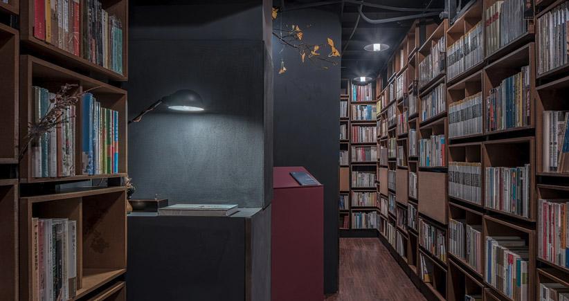 چینیها برای دانشآموزان شهر شانگهای یک کتابخانهی فانتزی ساختند: نهنگی که از آب بیرون آمده